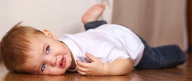 Детская истерика - почему дети устраивают истерику