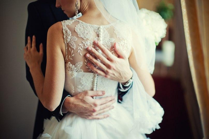 картинки он и она в свадебном платье