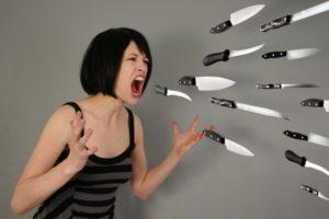 Решать проблемы криком в подавляющем большинстве случаев не выход