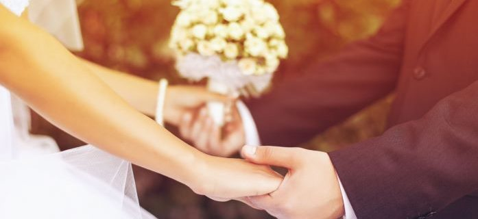 В первую очередь необходимо удостовериться, что ваш парень тоже готов к браку. Необходимо принимать во внимание тот факт, что мужчины гораздо менее расположены к заключению брака.